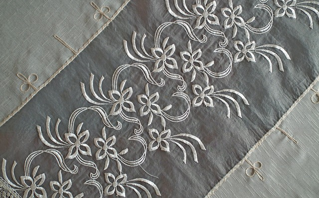 Embroidery Handicraft Tablecloth - MrGajowy3 / Pixabay