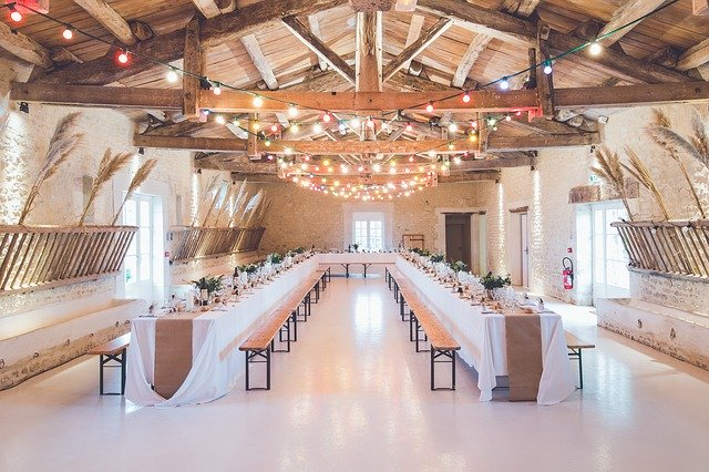 Events Venue Banquet Hall Wedding - StockSnap / Pixabay
