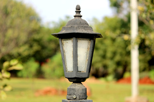 Streetlight Pole Equipment Energy - VgBingi / Pixabay