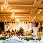 Des fleurs pour la table de fête et autres décorations florales